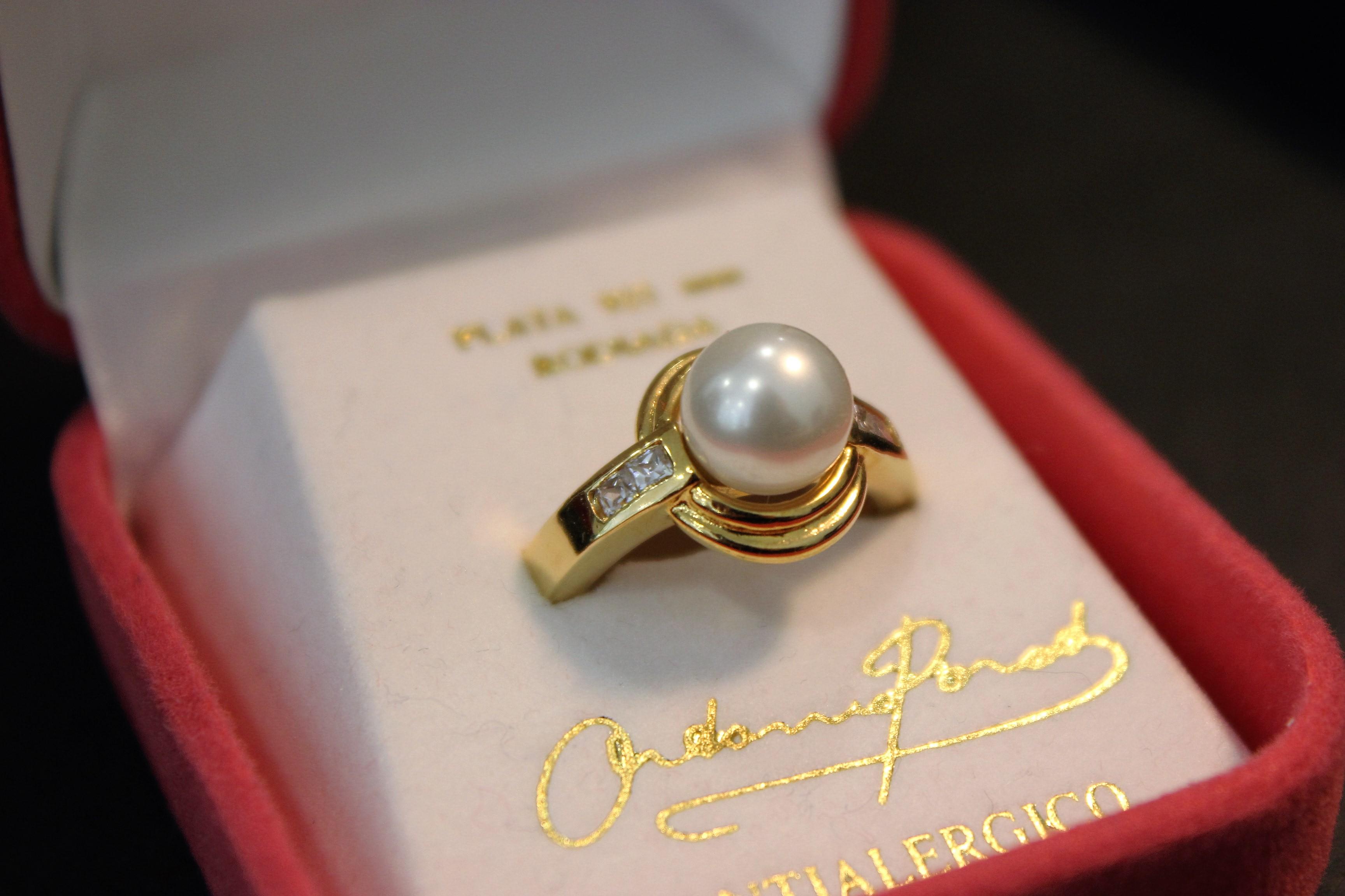 4e7b1cd8062 (Eesti) Ondina sõrmus, suure pärliga, valge tsirkoon, kullatud - Kuldkroon